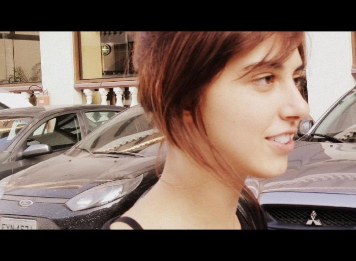 Julia Rocha/ Artista/ Poeta e Dançarina