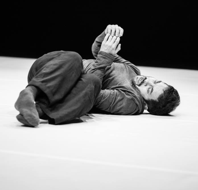 How to Overcome the Great Tiredness? ( 2010), at TanzHaus, Dusseldorf on 21 June, 2016 at 20:00 ( Double Bill ) Music Felipe Ribeiro, photo Vitor Barão. http://tanzhaus-nrw.de/main_pages/eduardo-fukushima